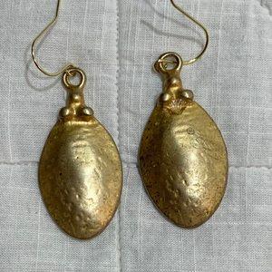 Jewelry - Goldtone earrings
